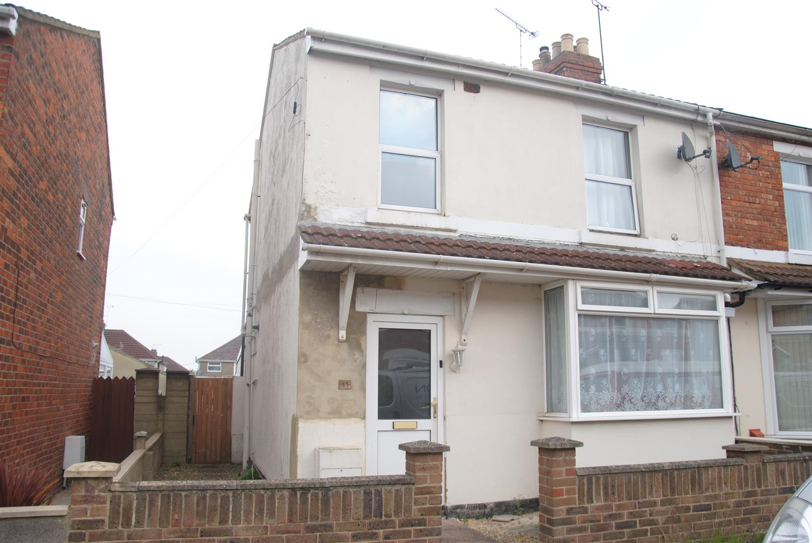 3 Bedrooms End Of Terrace House for sale in Norman Road, Swindon